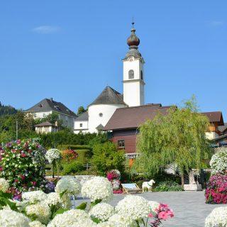 Schlossplatz Haus Mit Kirche 001 © Marktgemeinde Haus 2018