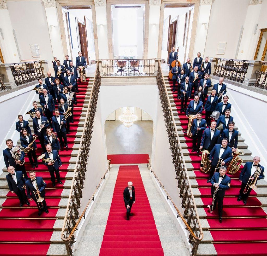 Polizeiorchester Bayern 2017 Treppe Quadr Jm